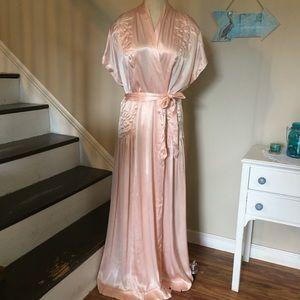 Vintage 1940s Peach Silk Robe w Trapunto Stitching